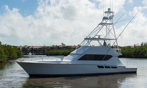 Image of Hatteras Convertible for sale in United States of America for $725,000 (£544,576) Fort Lauderdale, United States of America