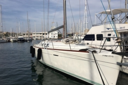 Beneteau First 47.7 for sale in Spain for €110,000 (£96,824)