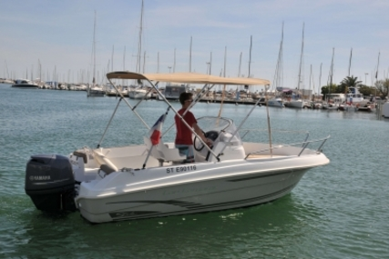 Jeanneau Cap Camarat 5.5 CC for sale in France for €19,900 (£17,307)