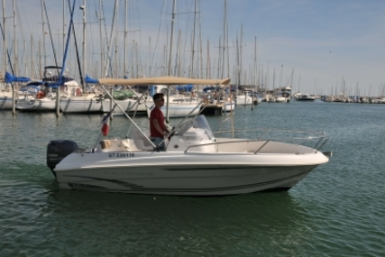 Jeanneau Cap Camarat 5.5 CC for sale in France for €22,500 (£19,568)