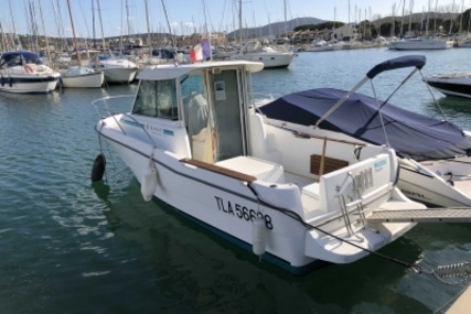 Jeanneau Merry Fisher 635 for sale in France for €18,000 (£15,798)