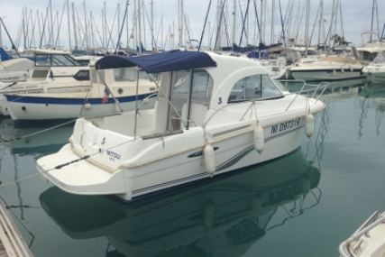 Beneteau Antares 6 for sale in France for €33,000 (£29,103)
