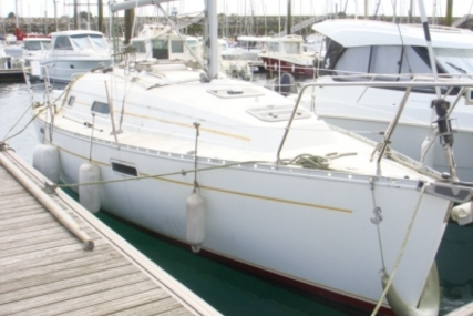 Beneteau Oceanis 281 for sale in France for €25,000 (£22,007)