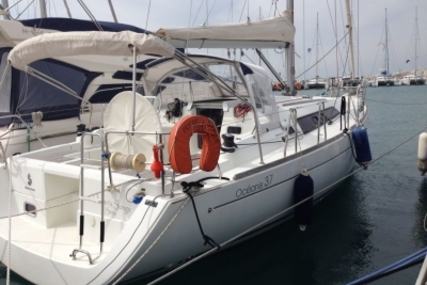 Beneteau Oceanis 37 for sale in France for €83,500 (£73,002)