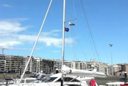 Beneteau Oceanis 31 for sale in France for €95,000 (£83,621)