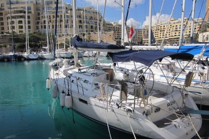 Beneteau Oceanis 390 for sale in Malta for €65,000 (£57,525)
