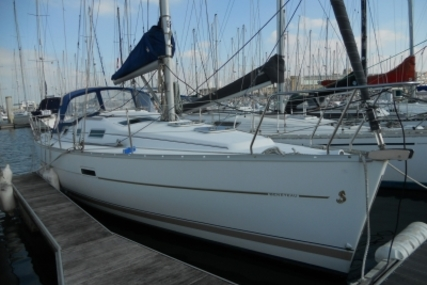 Beneteau Oceanis 323 Clipper for sale in France for €46,000 (£41,285)