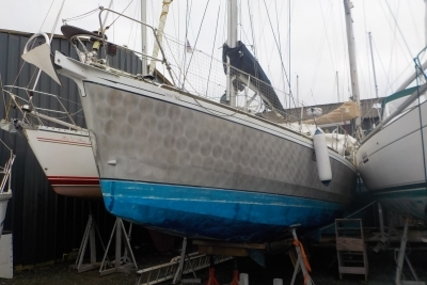 Alubat Ovni 345 for sale in France for €120,000 (£104,363)