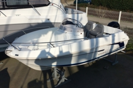 Beneteau Flyer 550 Open for sale in France for €18,000 (£15,654)