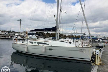 Jeanneau 32 for sale in United States of America for 65.600 $ (46.703 £)
