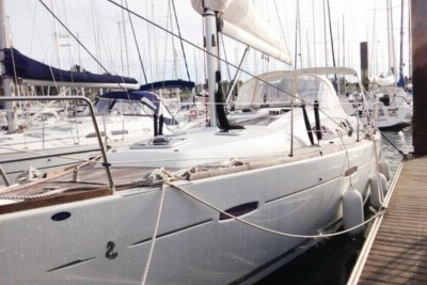 Beneteau Oceanis 40 for sale in France for €120,000 (£105,117)