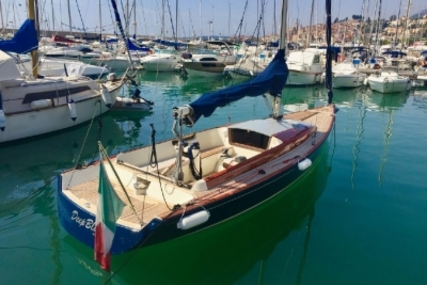 Latitude 46 for sale in France for €65,000 (£57,119)