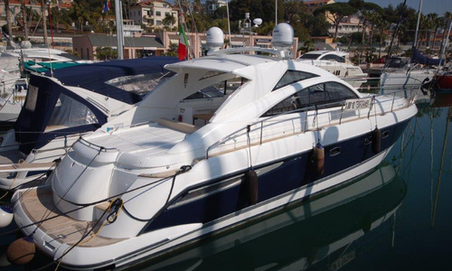 Image of Fairline Targa 47 for sale in Italy for €295,000 (£258,904) Sanremo, Italy