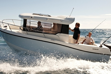 Quicksilver Captur 675 Pilothouse for sale in United Kingdom for £41,995