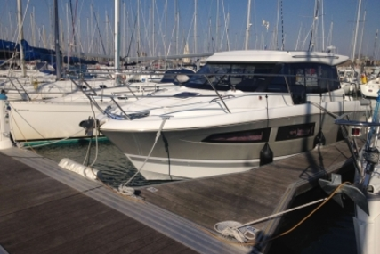 Jeanneau NC 9 for sale in France for €118,000 (£103,165)