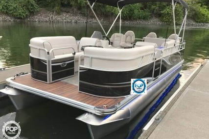 APEX MARINE Qwest LS 820 for sale in United States of America for 29.995 $ (21.354 £)
