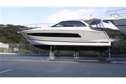 Jeanneau Leader 40 for sale in France for €355,000 (£310,350)