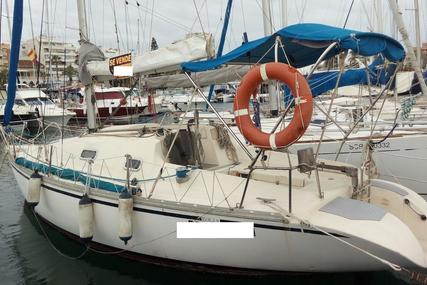 Jeanneau Eolia for sale in Spain for €8,000 (£7,018)