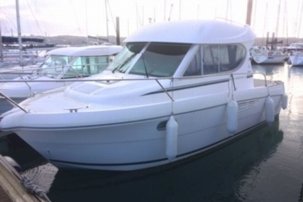 Jeanneau Merry Fisher 805 for sale in France for €33,000 (£28,834)