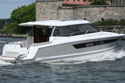 Jeanneau NC 11 for sale in Ireland for €332,000 (£293,985)