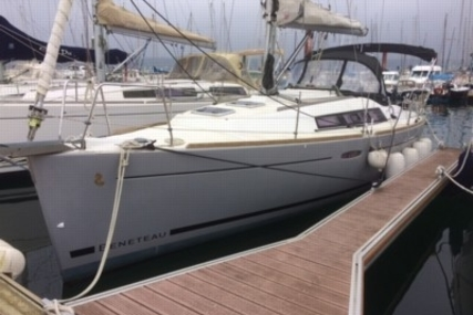Beneteau Oceanis 31 Lifting Keel for sale in France for €69,900 (£62,775)