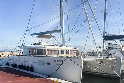 Lagoon 450F for sale in Spain for €450,000 (£406,975)