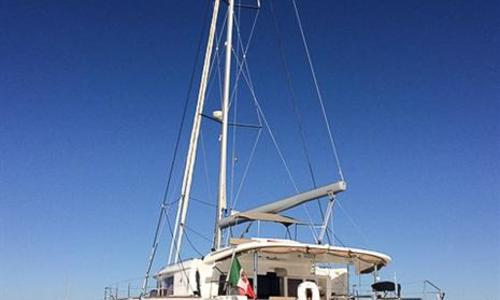 Image of Lagoon 450F for sale in Spain for €450,000 (£404,069) Spain