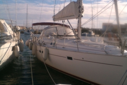 Beneteau Oceanis 411 for sale in France for €87,000 (£78,120)