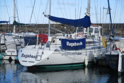Beneteau First 30 E for sale in Ireland for €14,950 (£13,044)