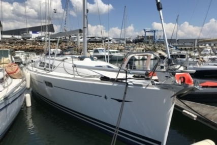Jeanneau Sun Odyssey 36i for sale in France for €72,000 (£64,217)