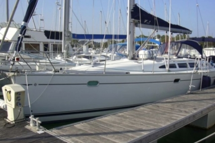 Jeanneau Sun Odyssey 43 for sale in France for €90,000 (£78,685)