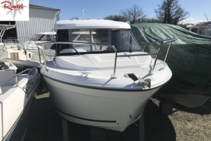 Jeanneau Merry Fisher 605 for sale in France for €26,000 (£22,775)