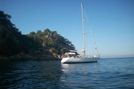 Jeanneau Sun Rise 34 for sale in France for €33,000 (£28,962)