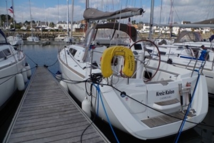 Jeanneau Sun Odyssey 33i for sale in France for €69,000 (£60,468)