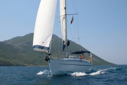 Bavaria 38 Cruiser for sale in Greece for £49,950