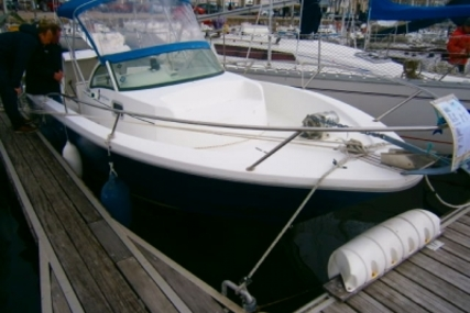 Beneteau Ombrine 700 for sale in France for €16,000 (£14,004)