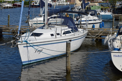 Catalina 320 for sale in Netherlands for €49,000 (£42,887)