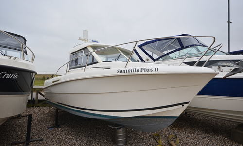 Image of Jeanneau Merry Fisher 705 for sale in United Kingdom for £29,950 Boats.co. HQ, Essex Marina, United Kingdom