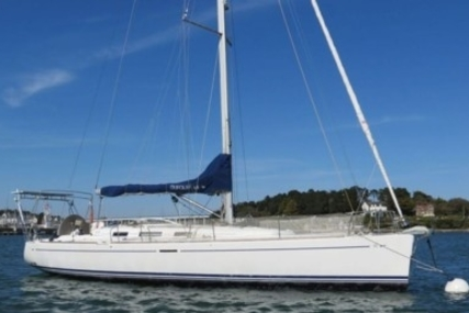 Dufour 44 Performance for sale in France for €110,000 (£96,482)