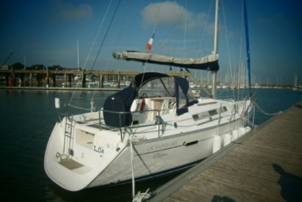 Beneteau Oceanis 343 for sale in France for €54,500 (£47,831)