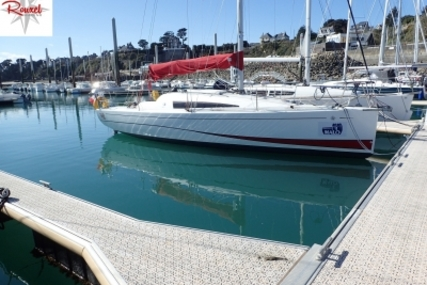 Jeanneau Sun Fast 3200 for sale in France for €89,000 (£77,532)