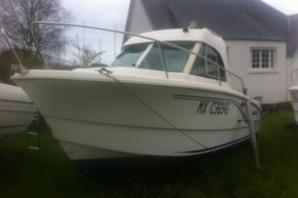 Beneteau Antares 650 HB for sale in France for €11,000 (£9,666)
