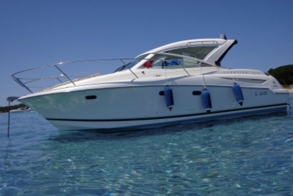 Prestige 30 Sport Top for sale in France for €67,000 (£58,728)