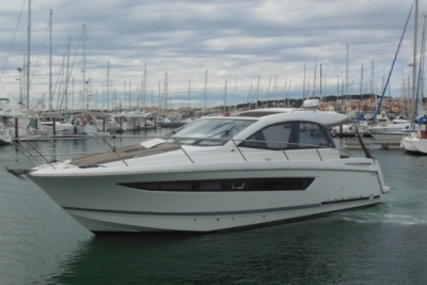 Jeanneau Leader 10 for sale in France for €124,000 (£108,691)
