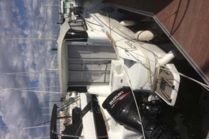 Beneteau Antares 7.80 for sale in France for €44,000 (£38,491)