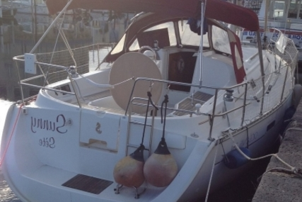Beneteau Oceanis 331 Clipper Lifting Keel for sale in France for €39,000 (£34,213)
