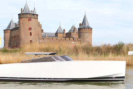 VanDutch 40 open for sale in Netherlands for €289,500 (£254,629)