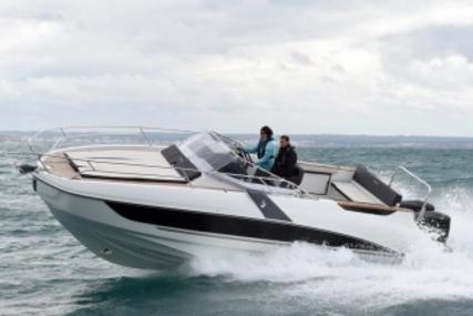 Beneteau Flyer 8.8 Sundeck for sale in France for €115,000 (£102,706)