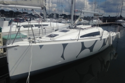 Jeanneau Sun Fast 3200 for sale in France for €85,000 (£74,637)
