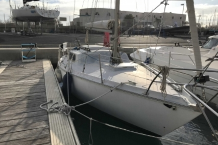 Jeanneau Sangria for sale in France for €3,900 (£3,428)